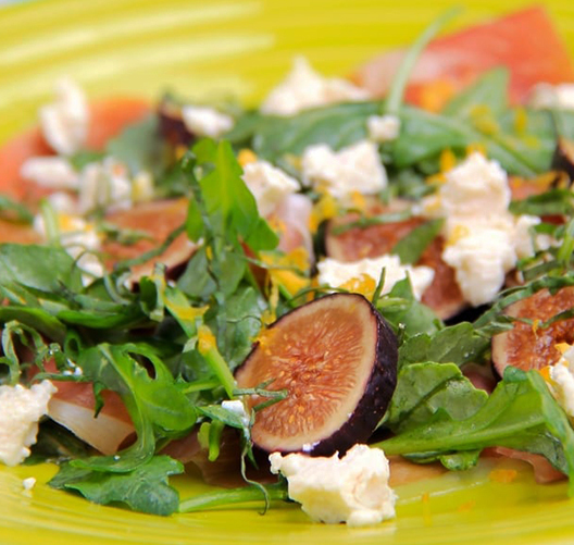 Fig-Grapefruit-Log-Salad-with-Prosciutto-Arugula_021219